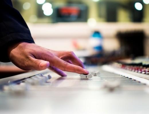 man-mixing-sounds-in-studio